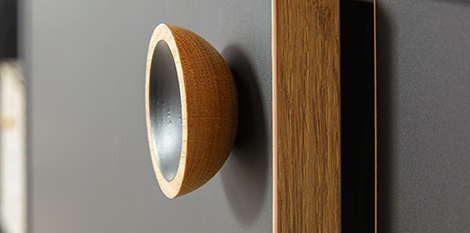 Onyx Black with Wood Edging